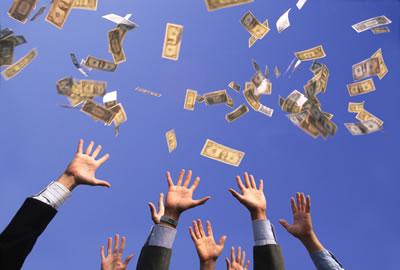couples flying money